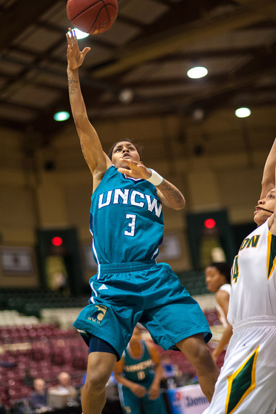 GM_vs_UNCW_Womens-15