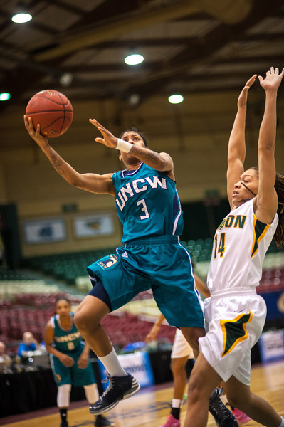 GM_vs_UNCW_Womens-14