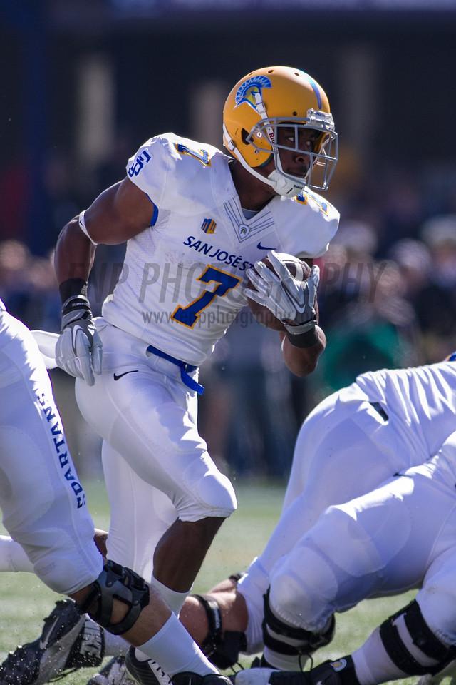 NCAA FOOTBALL 2014: San Jose State Spartans vs Navy Midshipmen