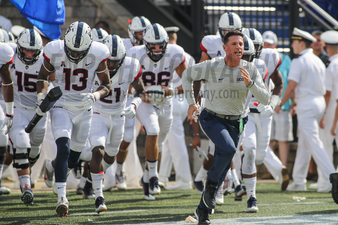 NCAA FOOTBALL: UConn AT Navy