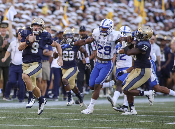 NCAA FOOTBALL: Air Force at Navy