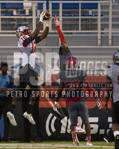 Western Kentucky Hilltoppers wide receiver Quin Jernighan (16) catches a pass for the final touchdown during the football  game between the visiting Western Kentucky Hilltoppers  and the FAU Owls on October 29, 2016  ( Joe Petro, The Skyboat )