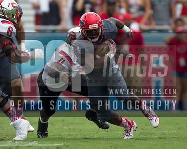 Florida Atlantic Owls running back Kerrith Whyte Jr. (6) runs the ball during the football  game between the visiting Western Kentucky Hilltoppers  and the FAU Owls on October 29, 2016  ( Joe Petro, The Skyboat )