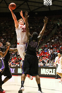 University of Utah Men's Basketball vs Washington. 02-06-2014. Utah defeats Washington 78-69.