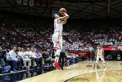 University of Utah Men's Basketball vs Oregon at the Jon M. Huntsman Center on 01-14-2016. The Utes lose the Ducks 59-77.  #goutes   #gamedayu  ©2016 Bryan Byerly
