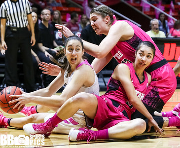 University of Utah Women's Basketball vs Oregon at Jon M. Huntsman Center on 02-17-2017. The Utes lose to the Ducks 61-73. ©2017 Bryan Byerly  #goutes  #elevate