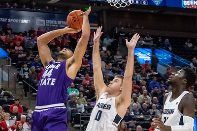 Beehive Classic - Utah State vs Weber State in Salt Lake City at Vivint Smart Home Arena. 12-08-2018. The Aggies defeat the Wildcats 76-67. ©2018 Bryan Byerly