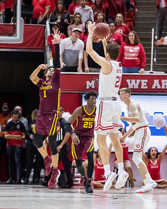 Salt Lake City, UT - Friday November 15, 2019: College Mens Basketball. Minnesota vs University of Utah at Jon M. Huntsman Center.  ©2019 Bryan Byerly