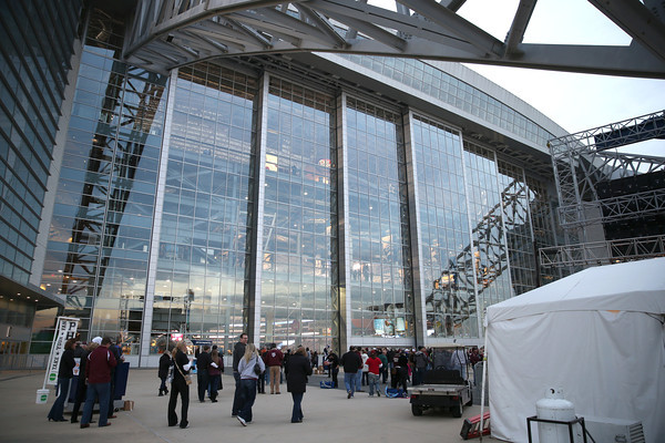 Fans file into Cowboy's Stadium before the start of the Cotton Bowl between Oklahoma and Texas A&M Friday in Dallas, Tx.<br /> Kyle Phillips/The Transcript