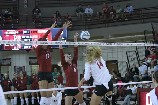 OU v Arkansas volleyball 4