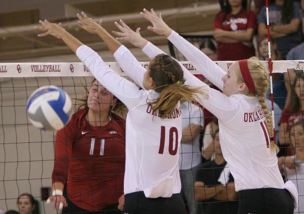 OU v Arkansas volleyball 5