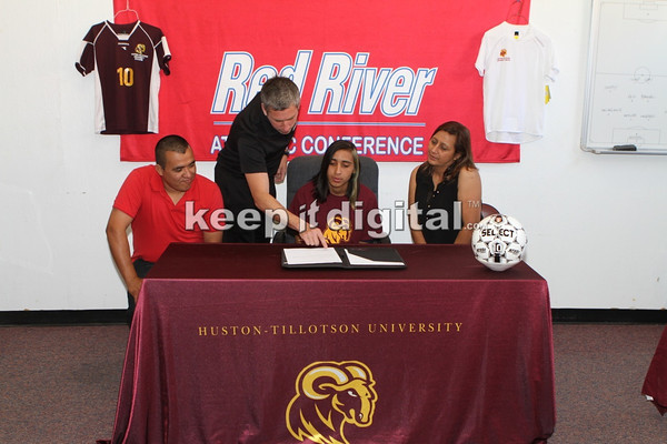 HT Soccer Signings 05_02_14