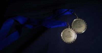 honors medallion