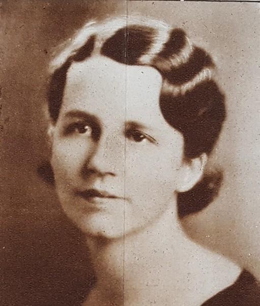 Catherine J. Travis (07611)