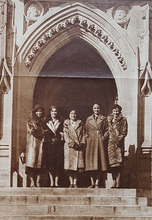 Alumnae at the University of Chicago (07621)