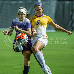 Freshman midlielder Bridget Howard kicks the ball in the game against University of Northern Iowa on Sept. 16, 2016, in the K-State Soccer Stadium. (Nathan Jones | The Collegian)