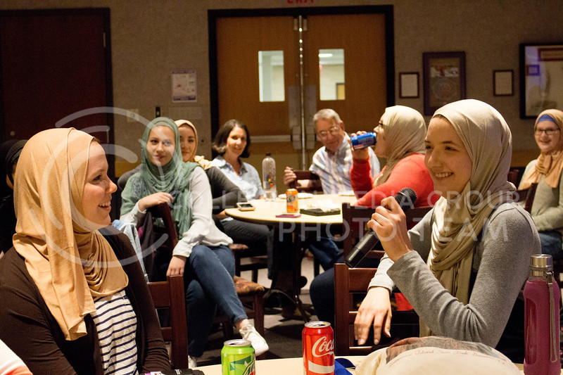 "Event attendees share an anecdote about her day wearing the hijab during the ""A Day in A Hijab"" debriefing in the student union on April. 19. (Alanud Alanazi 