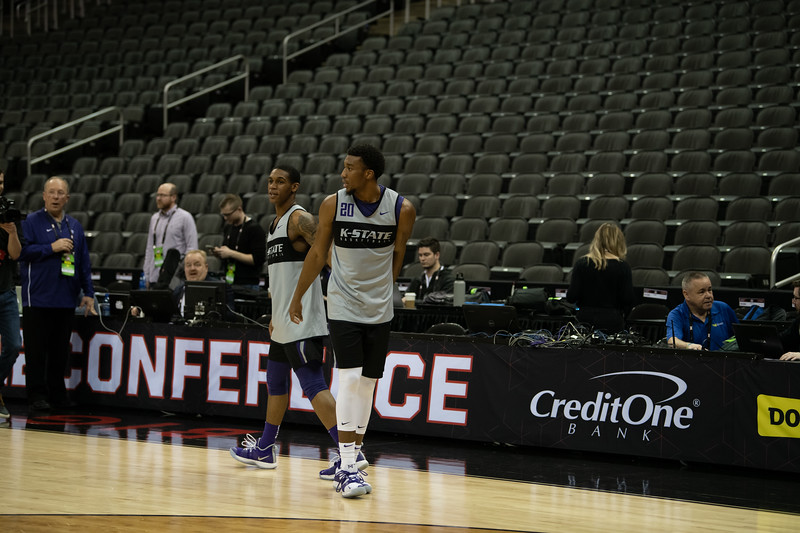 The K-State Wildcats warm up during the shootaround on Wednesday, March 13 before their first game tomorrow. The Cats will play agains the Texas Christian University Horned Frogs at 1:30 p.m. on Thursday, March 14, 2019. (Olivia Bergmeier | Collegian Media Group)