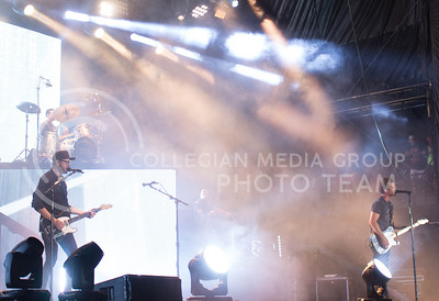 Dierks Bentley (Right) performs with his band during day 1 of Country Stampede on Thursday. (Photo by Michael Weninger | The Collegian)