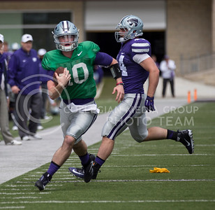 Freshman quarterback Skylar Thompson runs the ball down the field during the Spring Game in Bill Snyder Family Stadium on Apr. 22, 2017. (Nathan Jones | The Collegian)