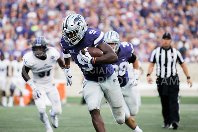 Sophomore wide receiver Byron Pringle carries the ball during the game between K-State and Central Arkansas in Bill Snyder Family Stadium on Sept. 2, 2017. (Meg Shearer | Collegian Media Group)