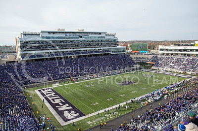 Bill Snyder Family Stadium hosted the Sunflower Showdown against KU on Nov. 26, 2016. The Wildcats won 34-19. (Evert Nelson | The Collegian)