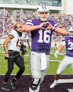 Junior quarterback Jesse Ertz scores a touchdown during the K-State football game against Oklahoma State in Bill Snyder Family Stadium on Nov. 5, 2016. (John Benfer | The Collegian)