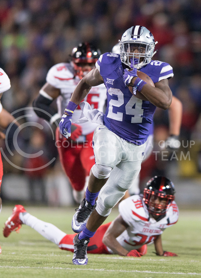 Senior running back Charles Jones returns the ball during the game between K-State and Texas Tech on Oct. 8, 2016, in Bill Snyder Family Stadium. (George Walker | The Collegian)