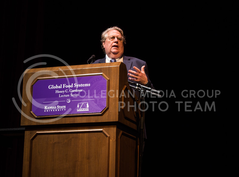 Dr. Jason Clay, Senior Vice President for Markets and Food at World Wildlife Fund, presents a talk about feeding the world while sustaining the planet at the fourth annual Henry C. Gardiner Global Food Systems Lecture on September 11, 2017. (Regan Tokos | Collegian Media Group)