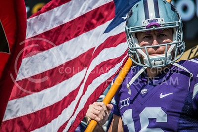 K-State senior, Jesse Ertz, prepares to take on the Charlotte 49ers at Bill Snyder Family Stadium on Sept. 9, 2017. (Logan Wassall | Collegian Media Group)