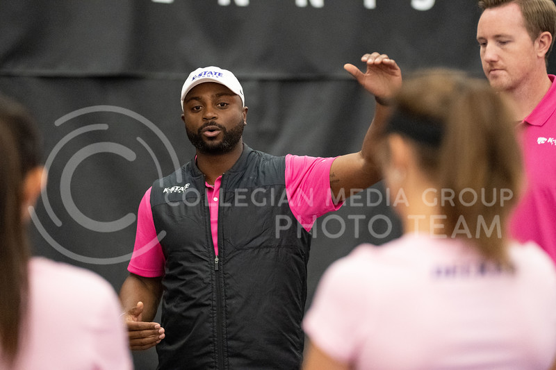 K-State's coach, Jordan Smith, meets with the team before they face off against Washington at Body First Tennis Center in Manhattan, KS. The Cats fell 4-1 on 02/14/20. (Dylan Connell | Collegian Media Group)