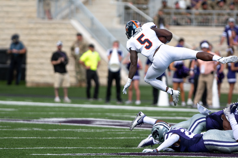 UTSA tailback Jalen Rhodes falls forward after getting tripped up by the Cats defense. K-State went on to win the game 41-7 (Rowan Jones   Collegian Media Group)