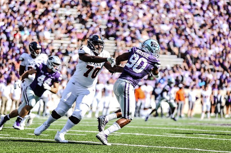 Bronson Massie breaks free from a UTSA player's grasp. The Wildcats ended the game against UTSA with a score of 41-17, which was their second win of the 2018 season (Emily Lenk   Collegian Media Group)