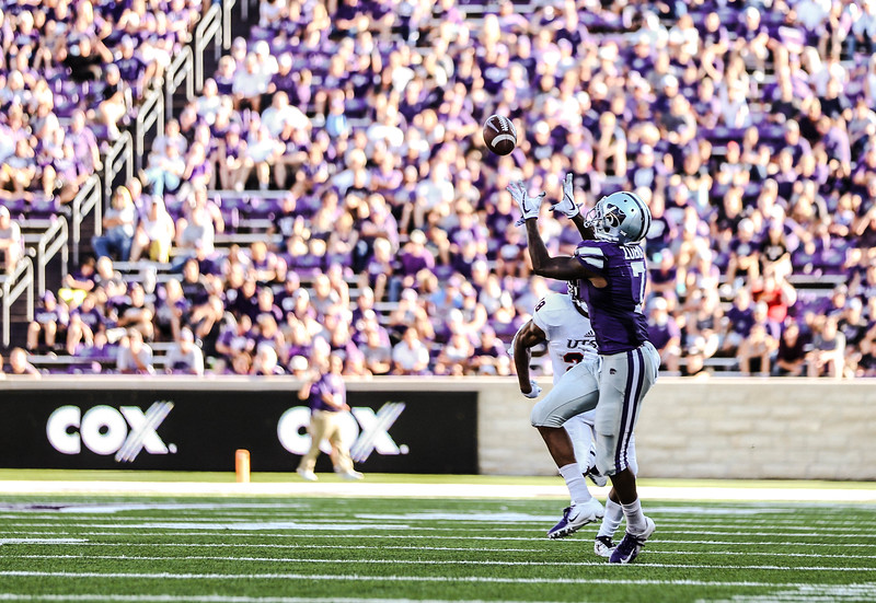 Zuber attempts to make a catch during the game against UTSA. The Wildcats ended the game with a score of 41-17, which was their second win of the 2018 season (Emily Lenk   Collegian Media Group)
