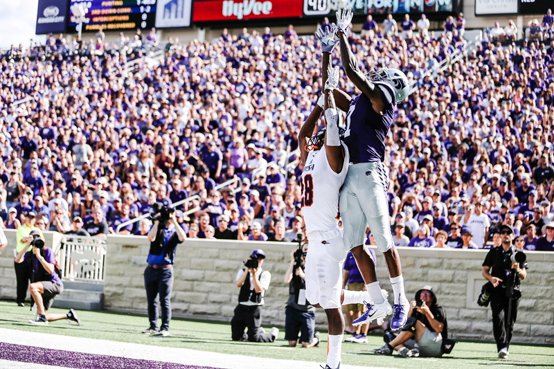 Zuber prepares to attempt a catch during the game against UTSA. The Wildcats ended the game with a score of 41-17, which was their second win of the 2018 season (Emily Lenk   Collegian Media Group)