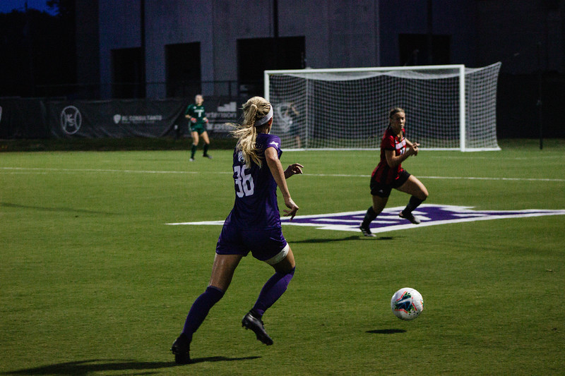 Junior Maddie Souder moving the ball forward and looking to pass the ball at game against Arkansas State. Arkansas won 2-1. (Luis Villarreal-Reyes   Collegian Media Group)