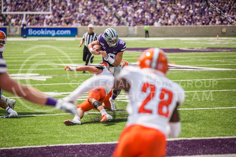 Junior quarterback Skylar Thompson runs the ball during K-State's football game against Bowling Green in Bill Snyder Family Stadium on Sept. 7, 2019. The Wildcats shut down the Falcons with a final score of 52-0. (Logan Wassall | Logan Wassall Collegian Media Group)