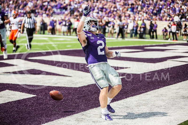 Junior running back Harry Trotter runs in a touchdown during K-State's football game against Bowling Green in Bill Snyder Family Stadium on Sept. 7, 2019. The Wildcats shut down the Falcons with a final score of 52-0. (Logan Wassall | Logan Wassall Collegian Media Group)