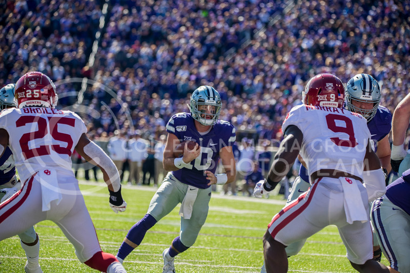 Junior Quarterback Skylar Thompson runs the ball through gap at game against Oklahoma. The Wildcats upset the #5 ranked Sooners 48-41.( Dalton Wainscott I Collegian Media Group )