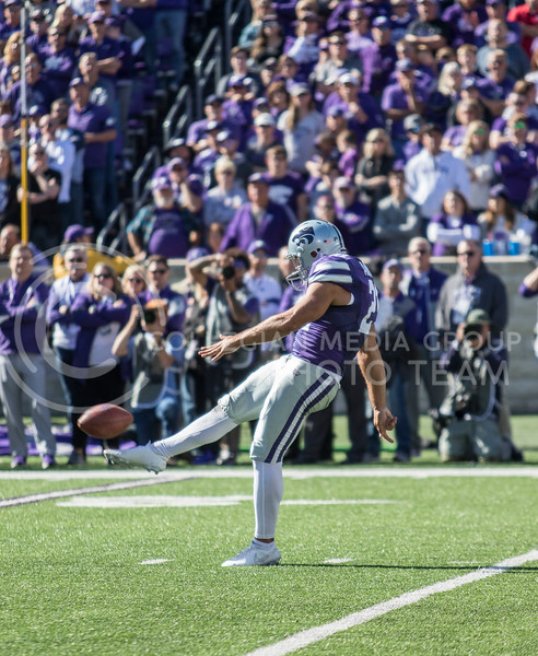 Senior punter Devin Anctil punts the ball away during the game against Oklahoma at Bill Snyder Family Stadium on Oct. 26, 2019. (Sabrina Cline | Collegian Media Group)