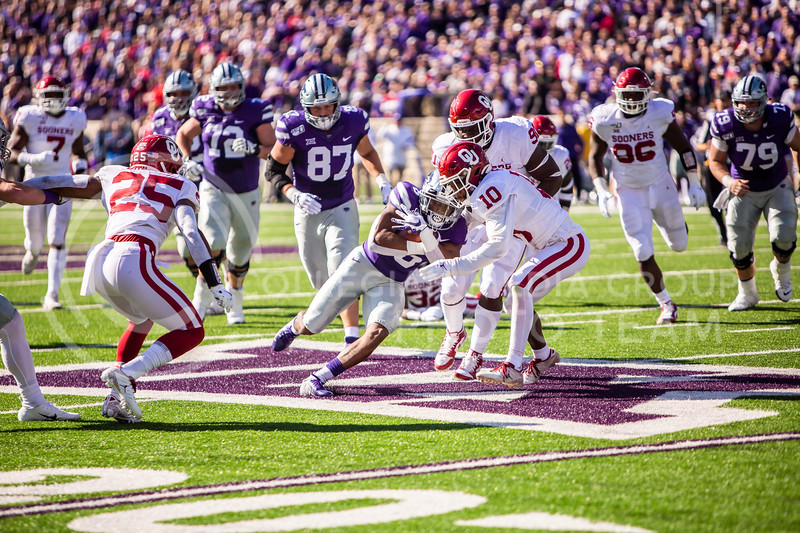 Senior running back Jordon Brown runs the ball during K-State's homecoming football game against OU in Bill Snyder Family Stadium on Oct. 26, 2019. The Wildcats upset the No. 5 rated Sooners with a final score of 48-41. (Logan Wassall | Collegian Media Group)