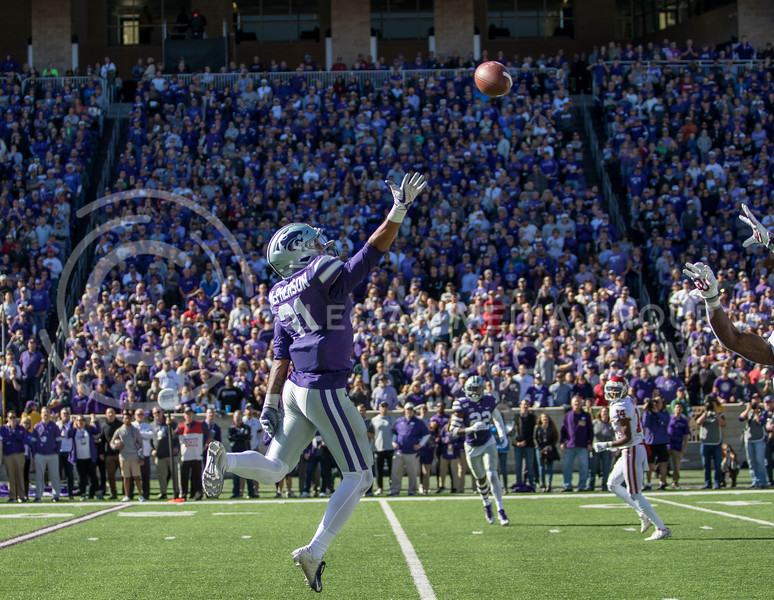 Junior defensive back Jahron McPherson jumps up to deflect the pass during the game against Oklahoma at Bill Snyder Family Stadium on Oct. 26, 2019. (Sabrina Cline | Collegian Media Group)