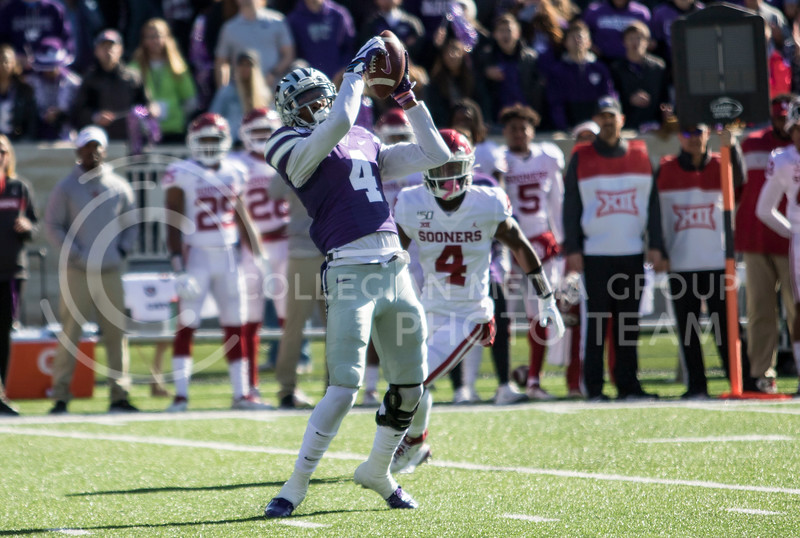 Redshirt freshman wide receiver Malik Knowles catches the pass from Skylar Thompson during the game against Oklahoma at Bill Snyder Family Stadium on Oct. 25, 2019. (Sabrina Cline | Collegian Media Group)