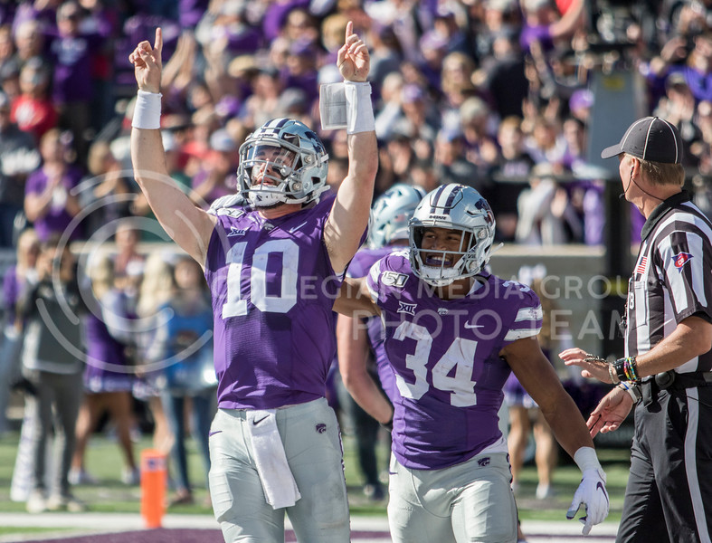 Junior quarterback Skylar Thompson celebrates after rushing in for the touchdown during the game against Oklahoma at Bill Snyder Family Stadium on Oct. 26, 2019. (Sabrina Cline | Collegian Media Group)