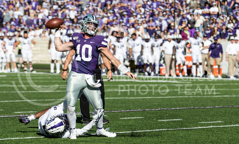 Junior quarterback Skylar Thompson scans the field for a receiver during the game against TCU on Oct. 19, 2019 at Bill Snyder Family Stadium. (Sabrina Cline | Collegian Media Group)