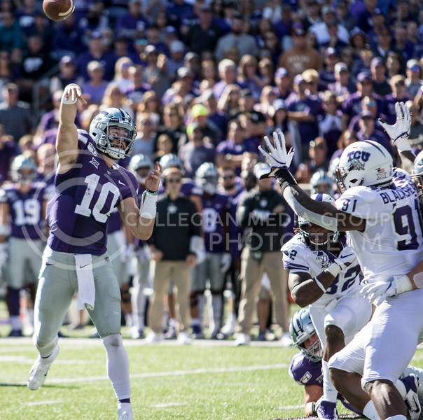 Junior quarterback Skylar Thompson throws the ball to a receiver during the game against TCU on Oct. 19, 2019 at Bill Snyder Family Stadium. (Sabrina Cline | Collegian Media Group)