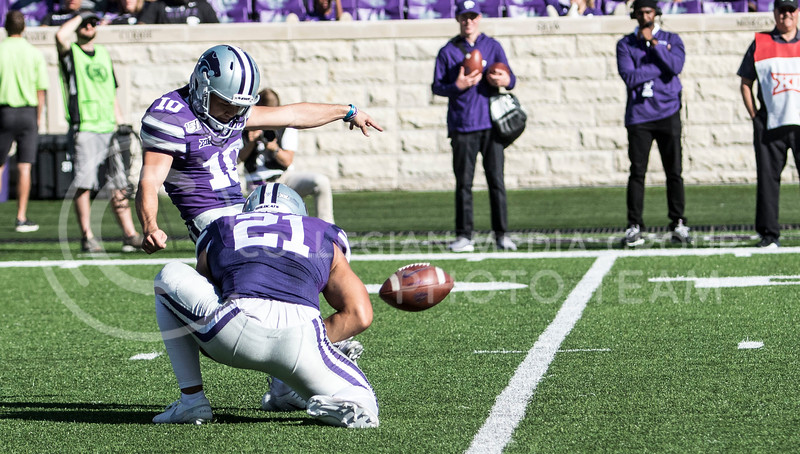 Junior kicker Blake Lynch kicks a field goal during the game against TCU on Oct. 19, 2019 at Bill Snyder Family Stadium. (Sabrina Cline | Collegian Media Group)