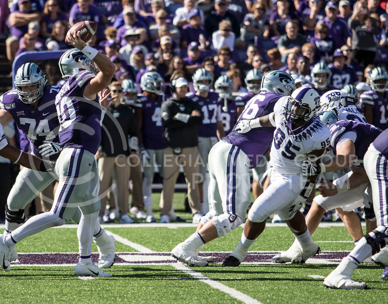 Junior quarterback Skylar Thompson looks to pass the ball during the game against TCU on Oct. 19, 2019 at Bill Snyder Family Stadium. (Sabrina Cline | Collegian Media Group)