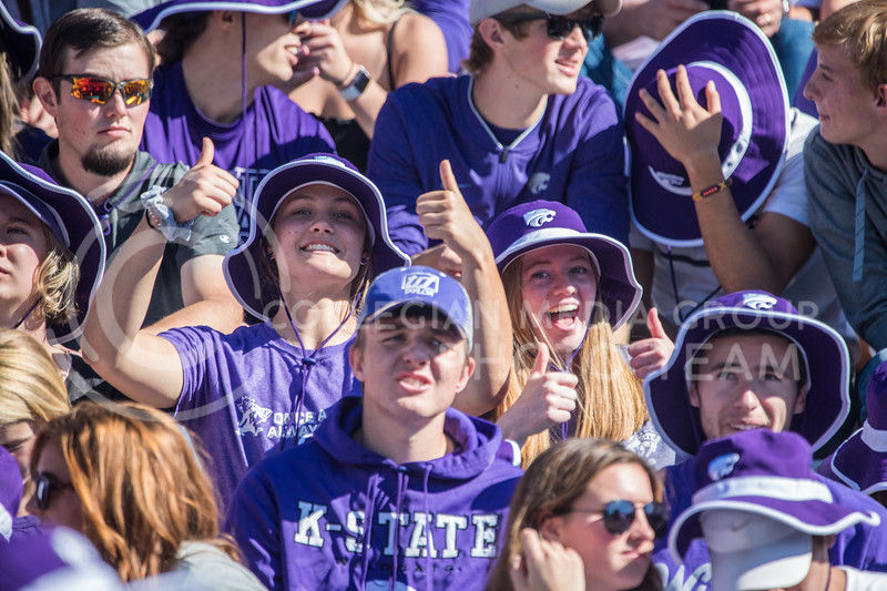 Fans smile at game against the TCU Horned Frogs. The Wildcats beat TCU 24-17. ( Dalton Wainscott I Collegian Media Group )