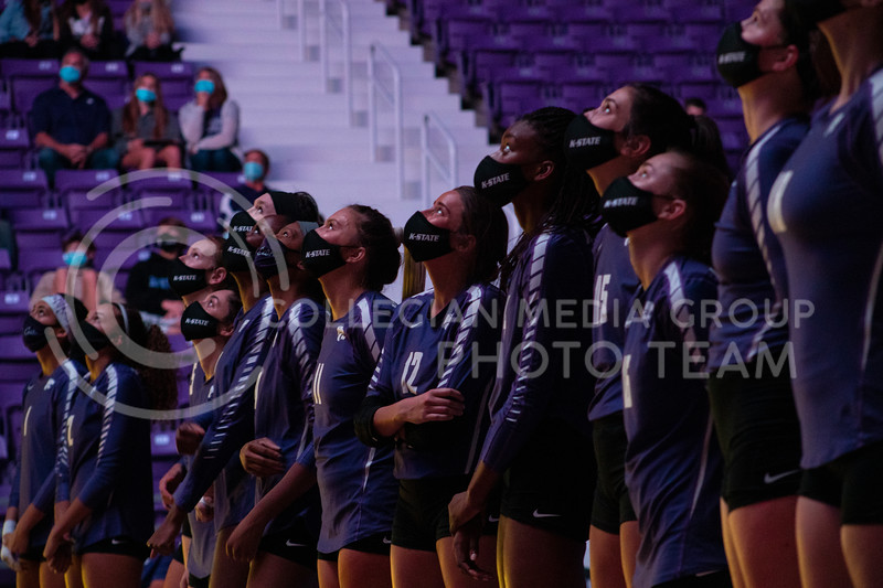 K-State volleyball players watch a volleyball highlight video before the game at Bramledge Coliseum on October 17th 2020. The wildcats lost to the #1 ranked Texas by a score of 3-0 in the second game of the series. (Dalton Wainscott I Collegian Media Group).